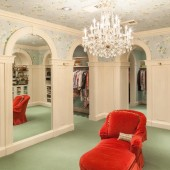 7 Room Lady's Closet in Luxury Home