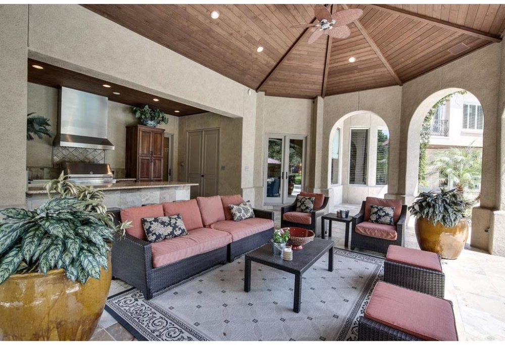 Outdoor Living Room W Ceiling Fans Speakers Summer Kitchen Pool Bath